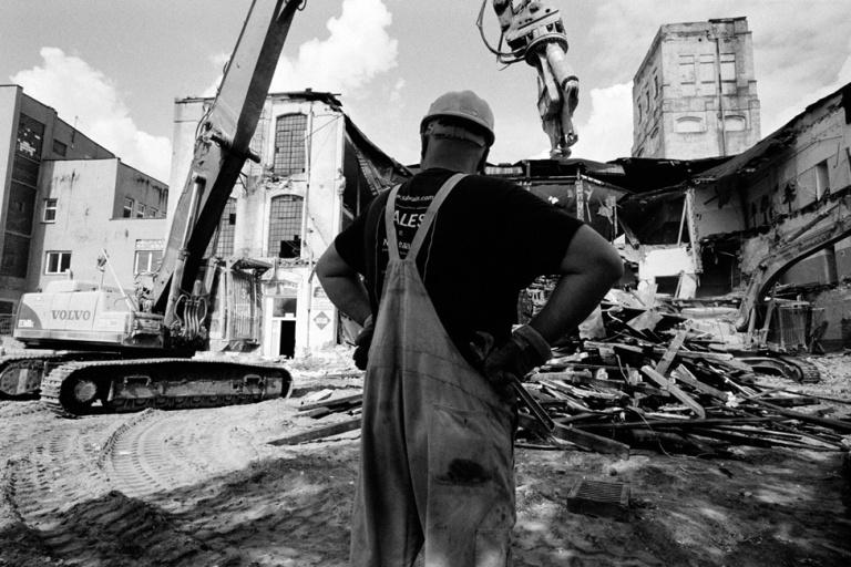Lodz, Poland - Old factory demolition and rebuilding near aleja Politechniki [©Enzo Signorelli photographer]